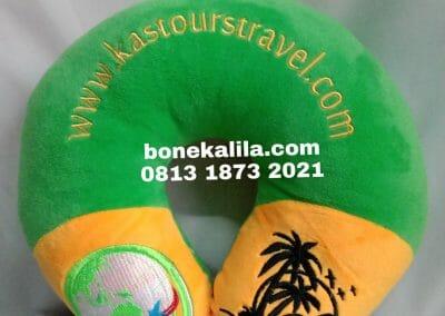 Produksi souvenir bantal leher