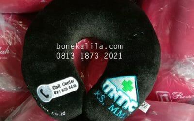 Produksi Bantal Leher Logo Bordir atau Printing Standar SNI