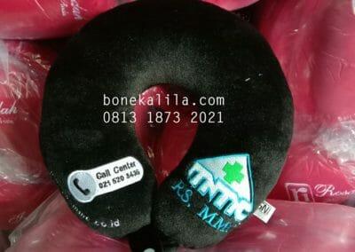 produksi-bantal-leher-logo-bordir-atau-printing-standar-sni