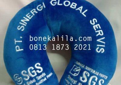 souvenir-bantal-leher-perusahaan-sgs-01